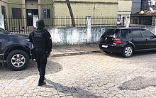 Carro foi localizado numa das ruas do Conjunto José Tenório, na Serraria