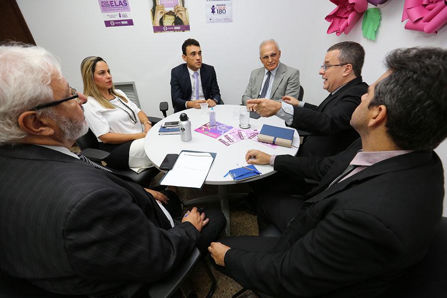 Comissão de Implementação do Programa Cooperando realizou reunião na sede do TJAL