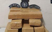 Mulher é presa com 11 tabletes de maconha escondidos em mochila, em Japaratinga