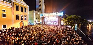 Rec-Beat saiu de um quintal em Olinda para conquistar multidão no Carnaval do Recife