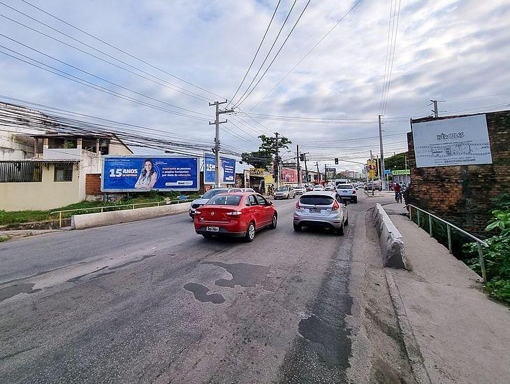 Prefeitura executa obras de esgotamento sanitário na Avenida Gustavo Paiva