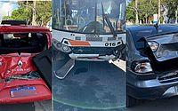 Ônibus sem freio bate em três carros no Cento de Maceió