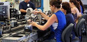 Atividade industrial desacelera em novembro de 2020