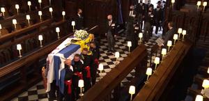 Funeral: com a família e convidados, rainha Elizabeth II se despede do príncipe Philip