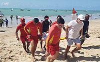 Idoso tem mal súbito e é socorrido na Praia de Pajuçara na manhã desta segunda (18)
