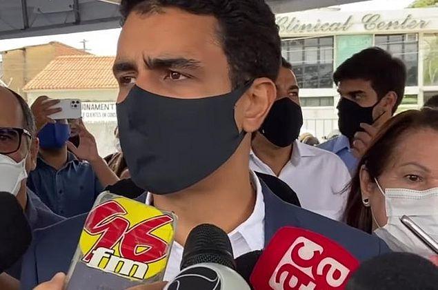 'Foi um grande mal entendido', diz prefeito JHC sobre convite para vacina a Carlinhos Maia