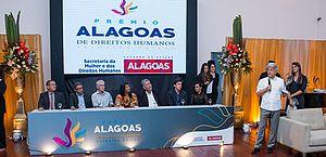 Prêmio Alagoas de Direitos Humanos homenageia personalidades no Teatro Deodoro