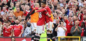 Cristiano Ronaldo dá show no retorno e faz dois em goleada do Manchester United