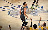 Curry liga para parabenizar Drake após título dos Raptors