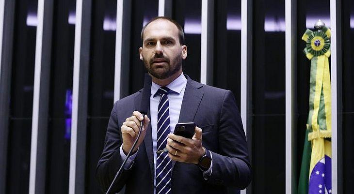 O parlamentar viajou com o pai para Nova York (EUA) para participar daAssembleia Geral da ONU