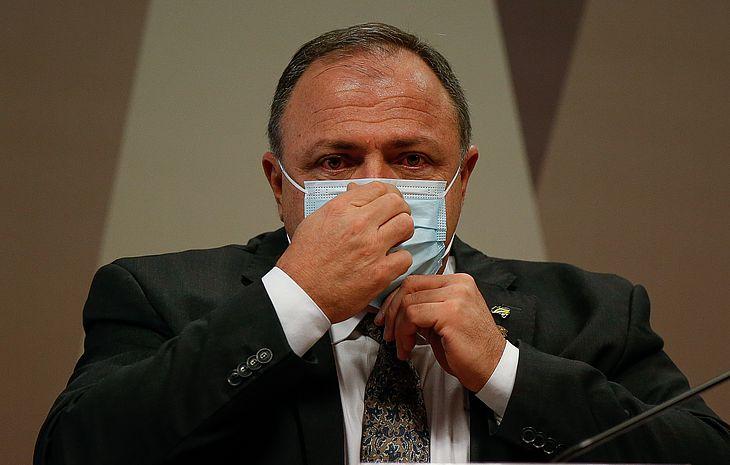 Ex-ministro da Saúde Eduardo Pazuello presta depoimento aos senadores na CPI da Covid
