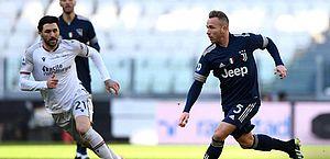 Juventus supera Bologna por 2 a 0 e volta a sonhar com título italiano