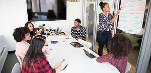 Cresce número de contratações de gestores a curto prazo no Brasil