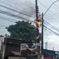 Vídeo: poste de energia elétrica pega fogo na Avenida Comendador Gustavo Paiva, no Poço
