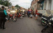 25 motocicletas foram apreendidas durante fiscalização no bairro do Jacintinho, em Maceió.