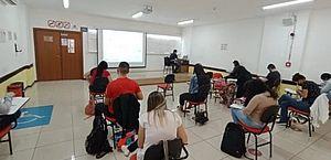 Brasil tem 118 concursos, com 17 mil vagas e salários de até R$ 30 mil
