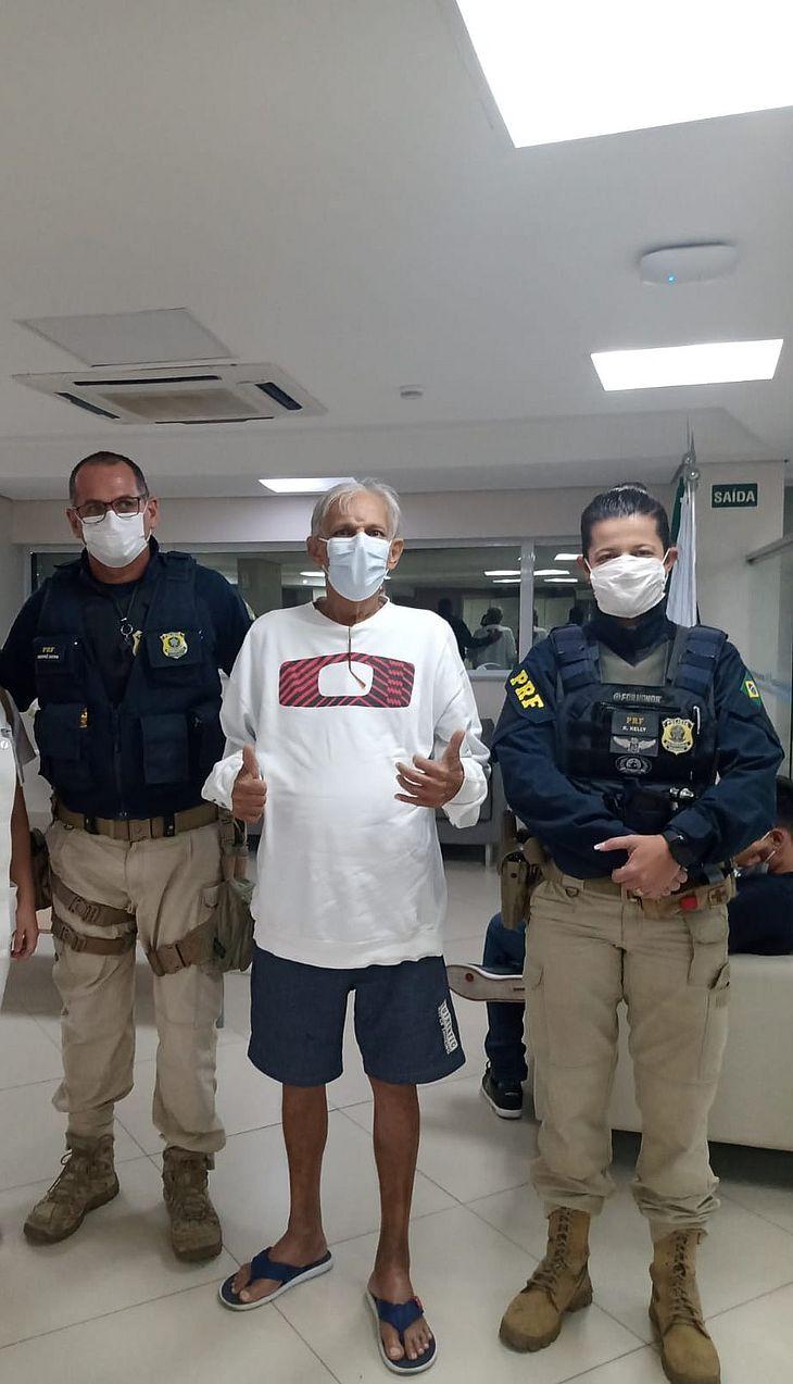 Idoso de Maceió é escoltado pela PRF para chegar a tempo de cirurgia na Paraíba