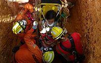 Adolescente cai em poço de aproximadamente 6m e é socorrida por bombeiros em Ipioca