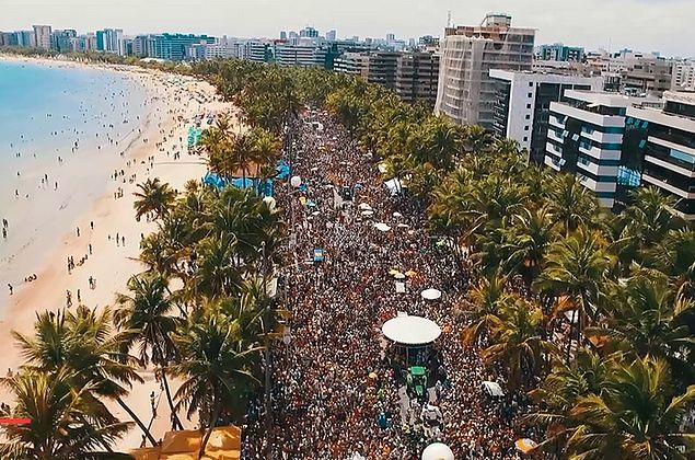 Nas prévias de Carnaval, você cai na folia com TV Pajuçara, TNH1 e Rádio Pajuçara