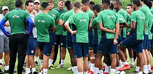Jogadores do Fluminense não treinam em protesto a salários atrasados