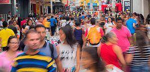 Embora com viés de estabilidade, consumo das famílias cai pelo nono mês