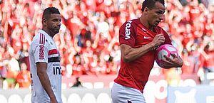 Damião marca duas vezes e comanda vitória do Inter contra o São Paulo
