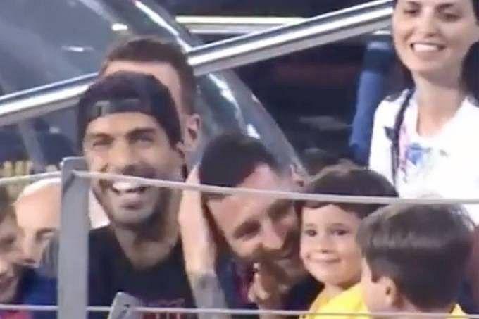 "Mateo Messi, de 3 anos, arrancou risos ao comemorar ""quase gol"" do Barcelona"