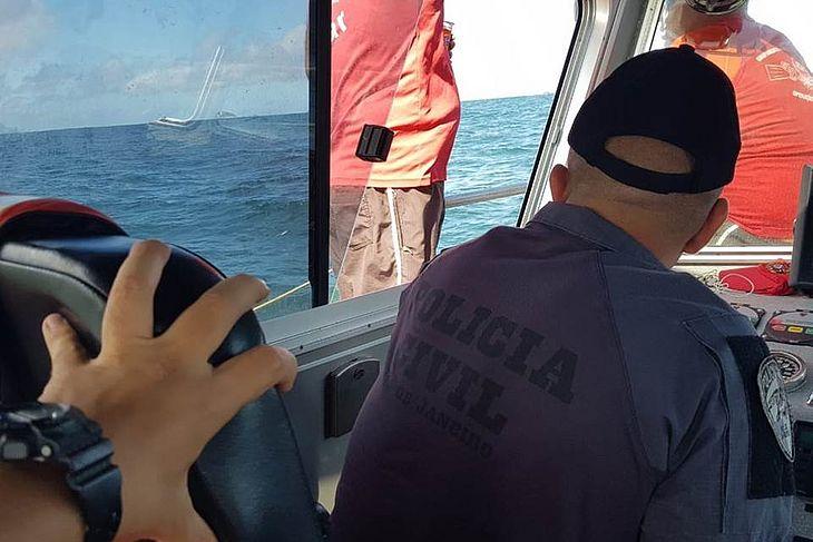 Marinha detecta 9 objetos no mar