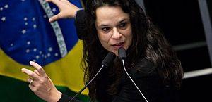 Janaína Paschoal sai de grupo de WhatsApp do PSL ameaça deixar bancada do partido