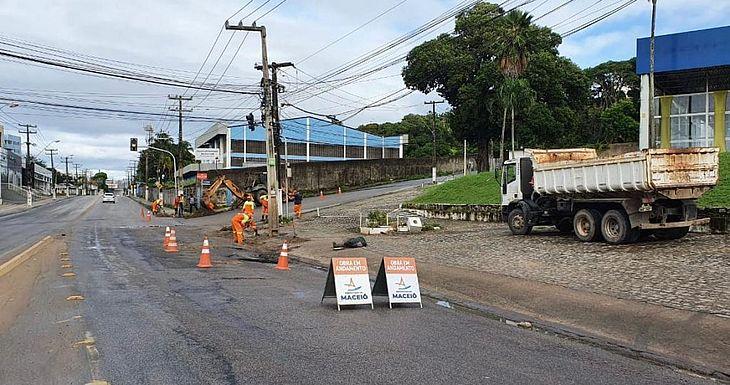 Avenida Gustavo Paiva será interditada para obras