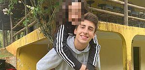 Dupla de TikTokers de 13 e 19 anos desmente namoro após web alertar sobre pedofilia