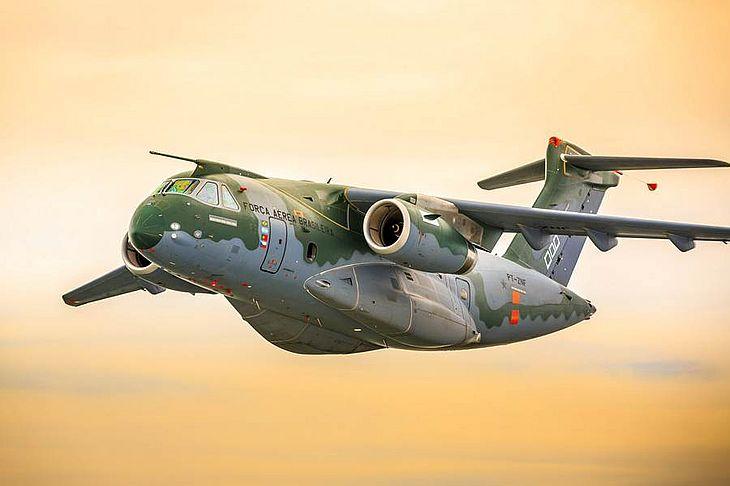 Avião levará equipes em busca de resgate e medicamentos