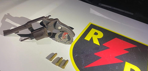Militares apreendem pistola e revólver após trabalho do serviço de inteligência