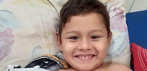 Menino morre após ser atendido por braço quebrado em hospital; mãe afirma que ele tomou 4 anestesias