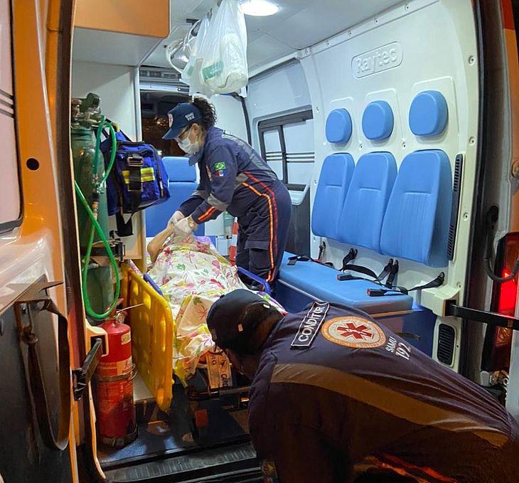 A idosa foi socorrida ao hospital após denúncia de abandono exibida na TV Pajuçara