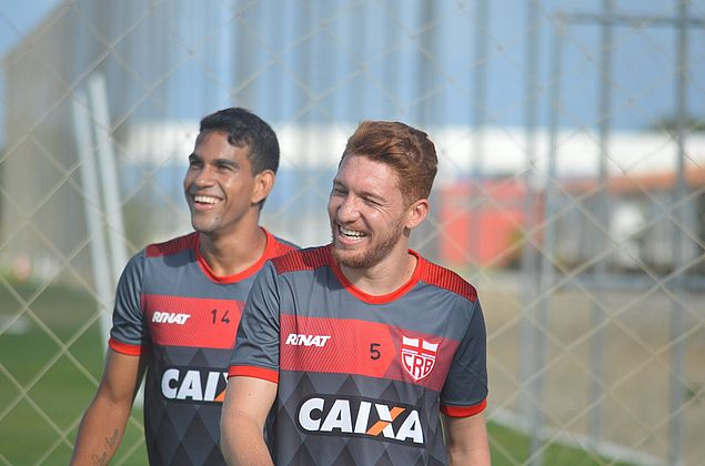 """Ferrugem analisa decisão com o Goiás: """"Adversário de alto nível"""""""