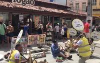 Vídeo: Equipe do Ronda no Bairro e 'Ceguinho do Centro' bombam em número musical e viralizam