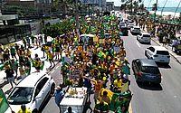 Manifestantes ocuparam uma das faixas da orla de Maceió