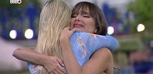 Thaís fica surpresa ao ser eliminada do BBB e Juliette consola Viih Tube