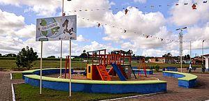 Usina Coruripe doa parque infantil para moradores de comunidade em Feliz Deserto (AL)