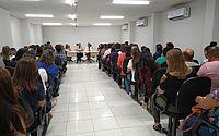 Primeira-dama de Maceió e secretário de Saúde se reúnem para discutir detalhes da campanha.