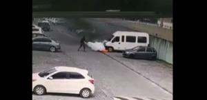 Vídeo: moradores controlam incêndio em van em estacionamento de condomínio