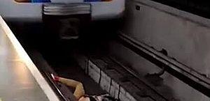 Vídeo: maquinista freia metrô a tempo e evita acidente com homem caído em trilho