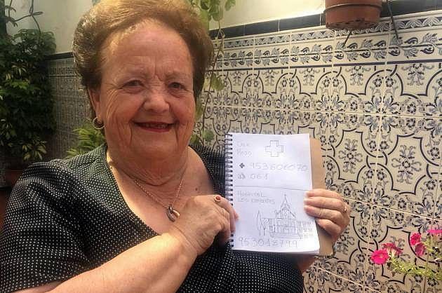 """Dona Encarna Alés aprendeu a """"ler"""" a agenda com ajuda do neto"""