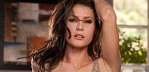Vídeo: ex-atriz pornô 'bomba' em site adulto após ser encontrada vivendo na rua