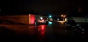 Arapiraca: motorista embriagada é presa após bater em veículos e em muro de residência