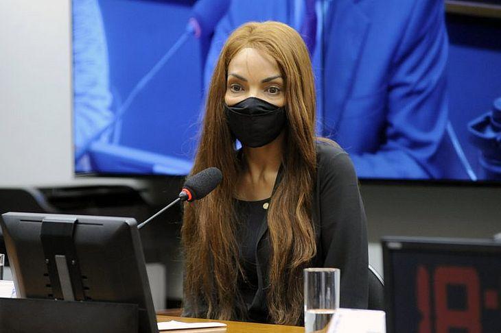 Flordelis é acusada de mandar matar o próprio marido, em junho de 2019