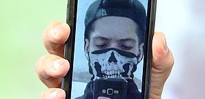 Adolescente publica imagens com arma antes de crime em escola
