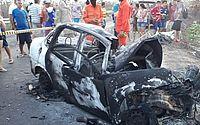 Mãe, filho e dois homens morrem carbonizados em acidente entre carro e caminhão