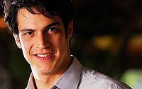 O ator Mateus Solano